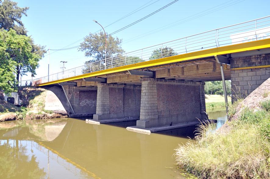 Rotura del puente de Av. Illia